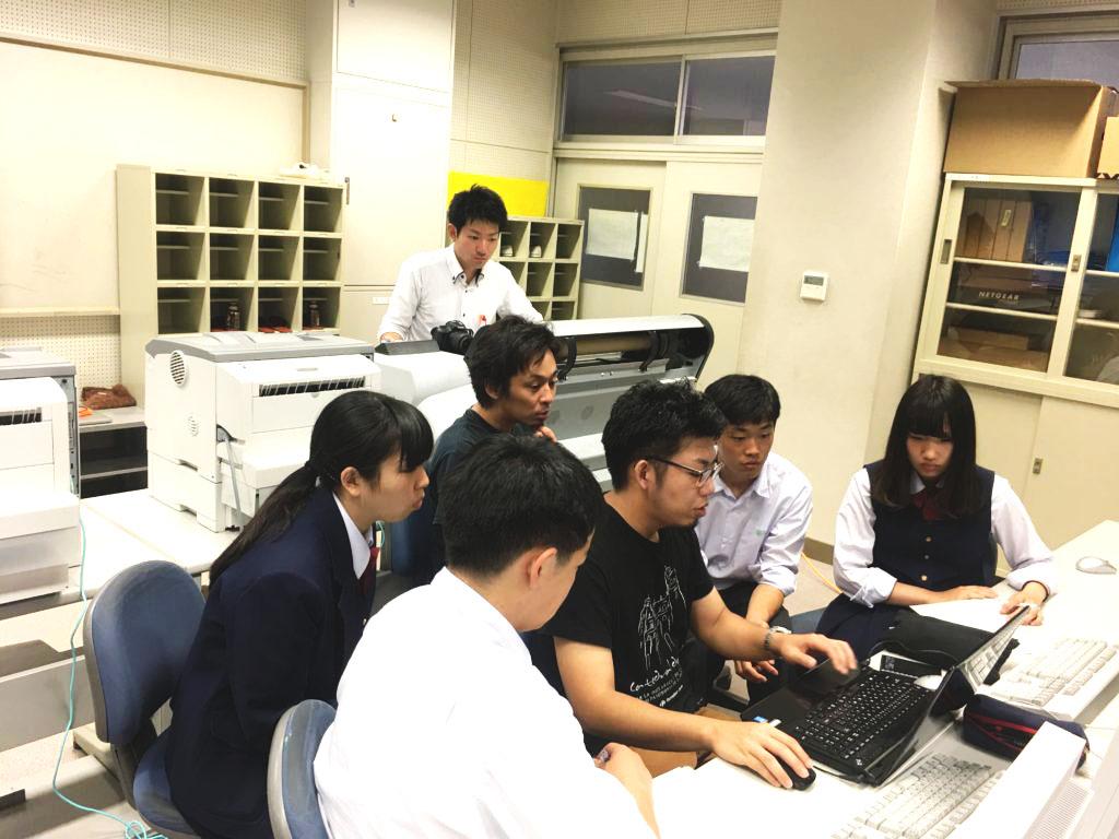 高校生とプロジェクションマッピングを作成(授業イメージ)2