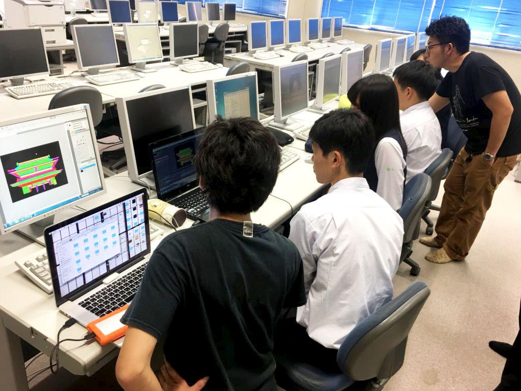 高校生とプロジェクションマッピングを作成(授業イメージ)1