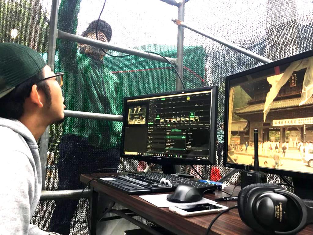 身延山山門プロジェクションマッピング施工実績画像(オペレーター)2