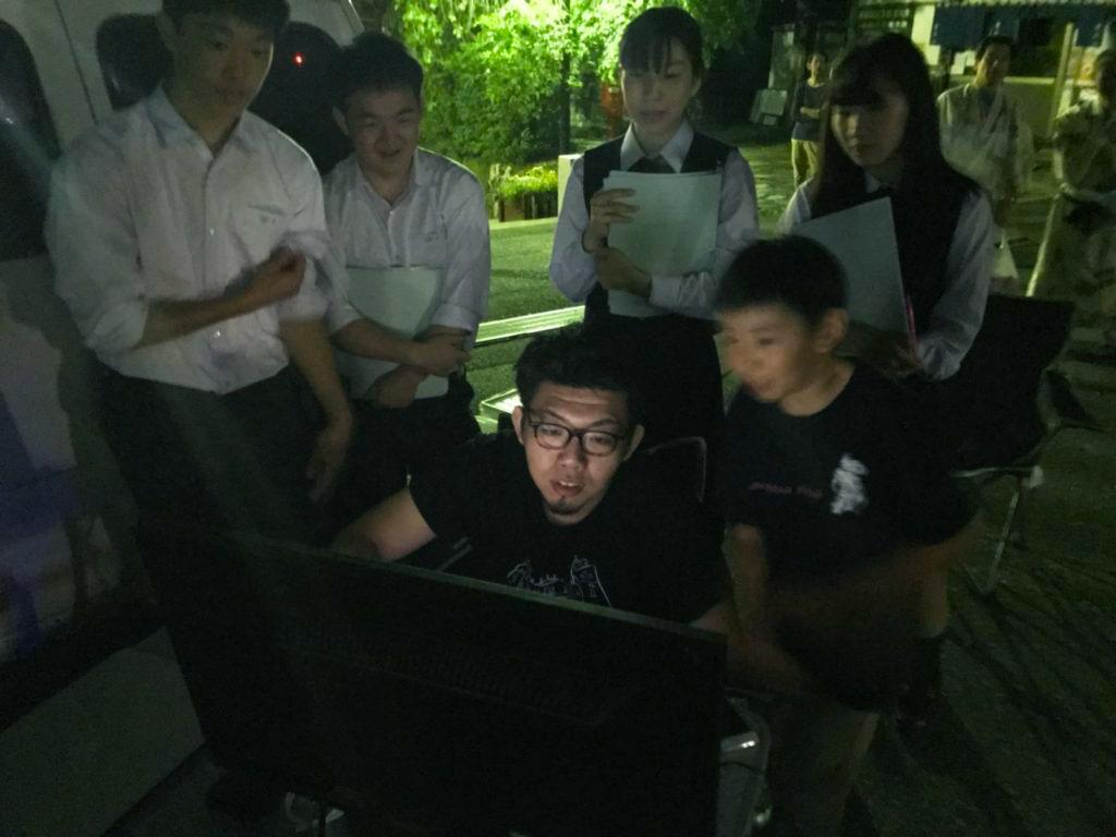 身延山山門プロジェクションマッピング施工実績画像(オペレーター)1