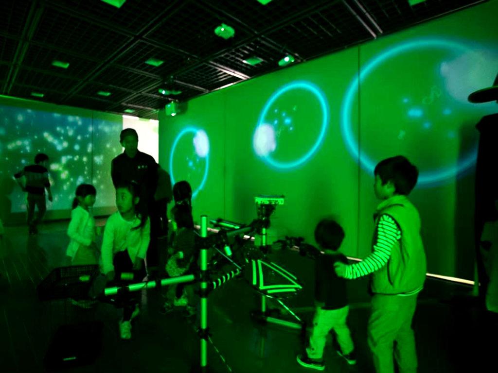 韮崎文化ホールインタラクティブコンテンツ施工実績画像1