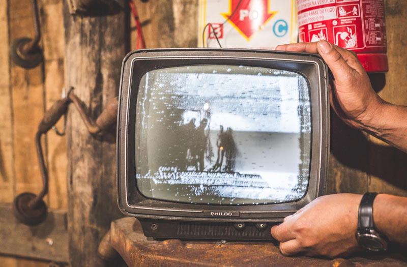 レトロなテレビのイメージ画像