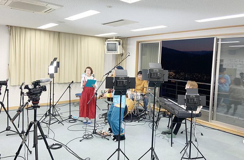 山中湖アイスキャンドルフェスティバルライブ配信のバンド演奏